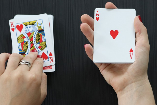 Get Familiar With The Advantages Of Online Gambling