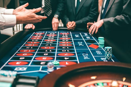 Online gambling websites- for extra income in life