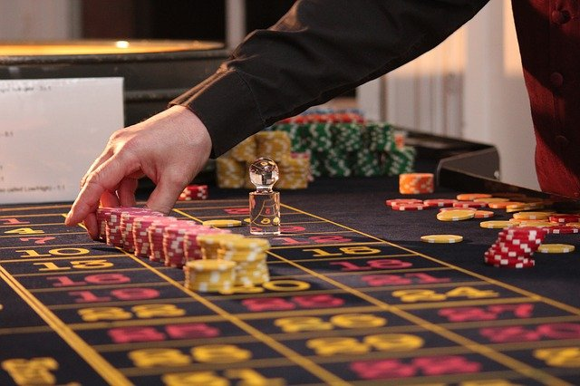 Why have online casinos become the primary source of making money for gamblers?