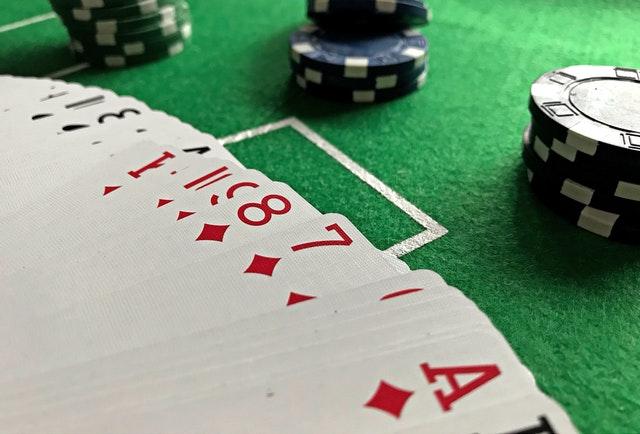 Online gambling- unleash the detailed tips to find a legitimate platform.