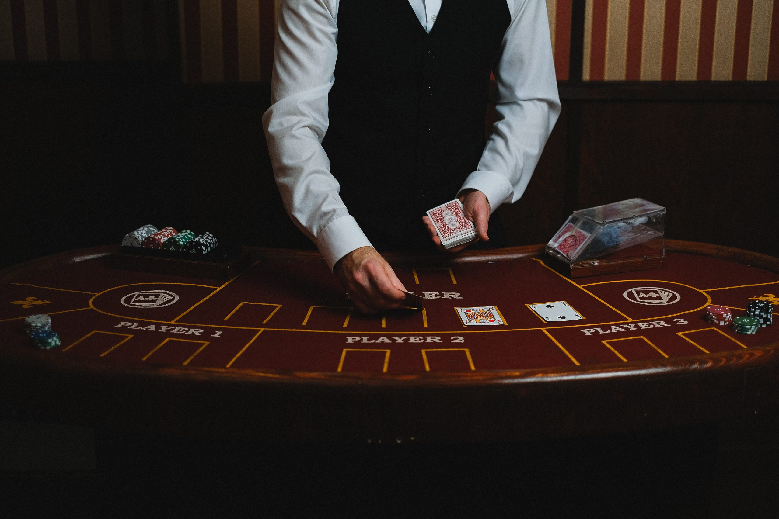 How to Win at Baccarat? – 3 Major Tips