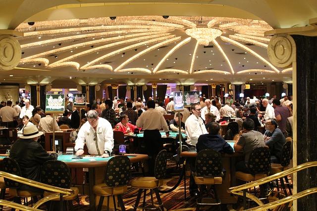Top 3 tips to grow at online poker gambling!!