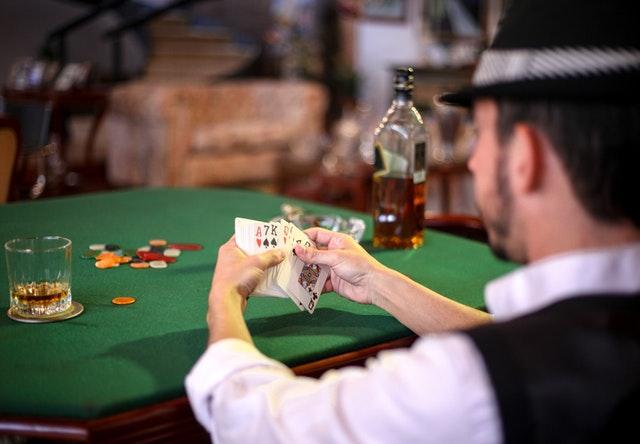 Why Must You Choose Situs Judi Terpercaya For Accessing Gambling Games?