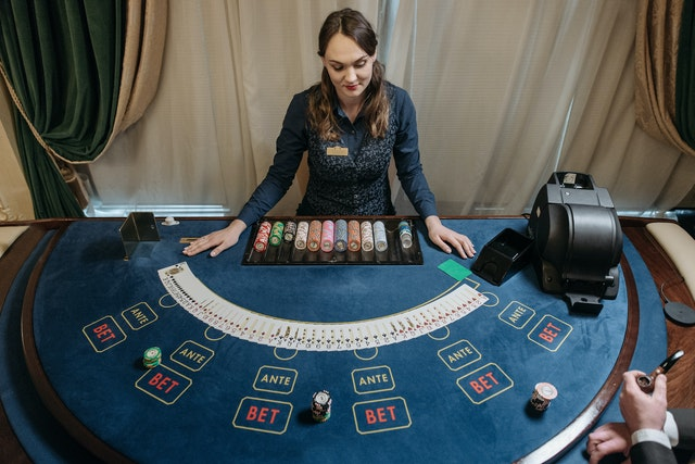 Some Prevalent Online Casino Bonuses That You Can Enjoy: Let's Check Out