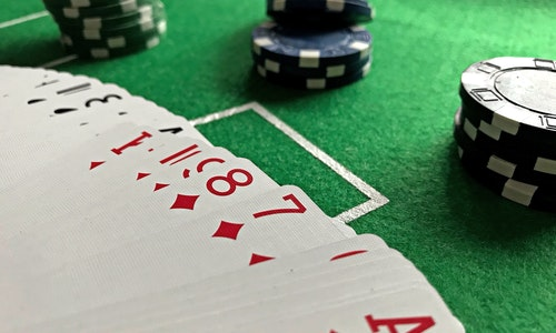 4 Undeniable Benefits of Playing Slot Machines on Online Platforms