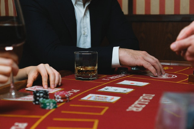 What Type Of Online Betting Can Help You To Make Easy Money?